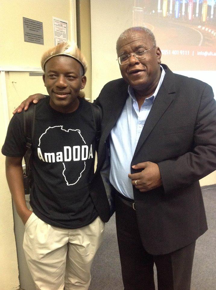 Amadoda Co-founder Dalisu Jwara with Jonathan Jansen the Vice-Chancellor of the University of Free State