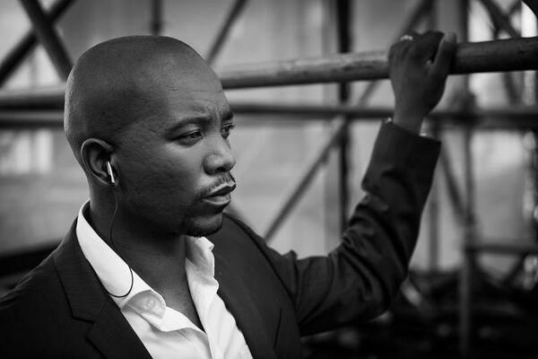 Ooozing Sex Appeal: DA Gauteng Premier Candidate - Mmusi (ruler) Maimane